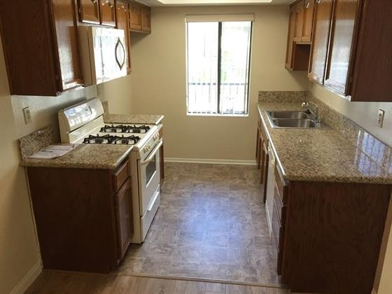image 2 unfurnished 1 bedroom Apartment for rent in Burbank, San Fernando Valley