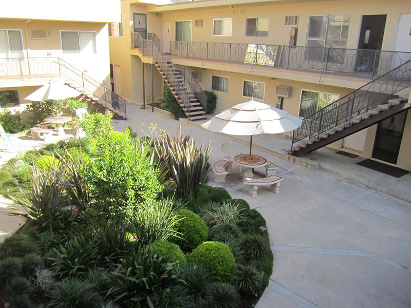 2 Beds 1 Bath Apartment For Rent In Burbank Ca 91504